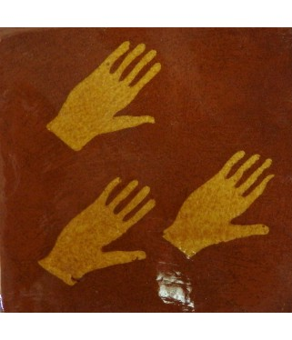 No 18, Les trois mains