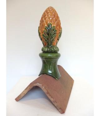 Epi de faîtage ananas en couleur pour faîtage angulaire (faîtage 1/2 ronde sur demande) en deux éléments. Hauteur 35cm